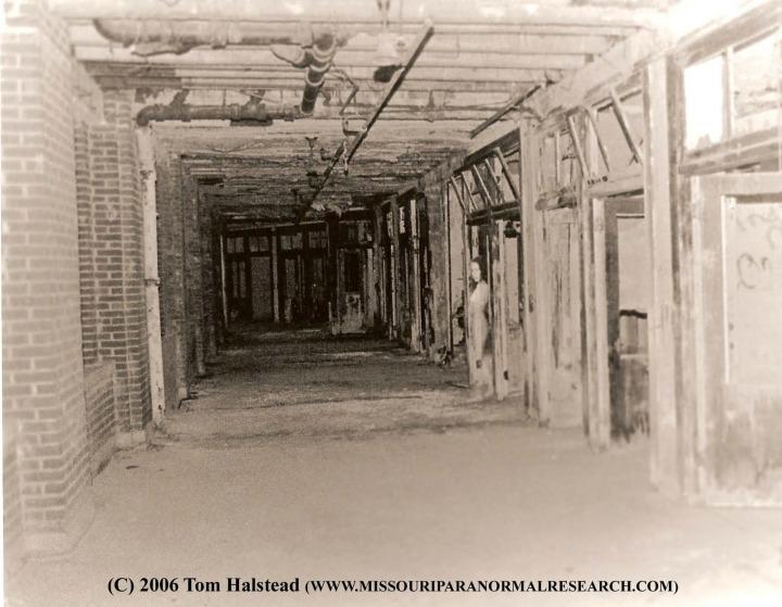 6.-Abandoned-Hospital.-Waverly-Hills-Kentucky-720x559