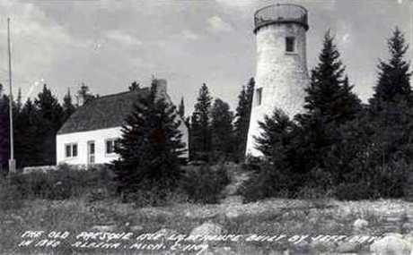 OldPresqueIsleLighthouse