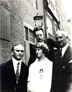 Houdini_with_Malcolm_Bird_and_Mina_Crandon